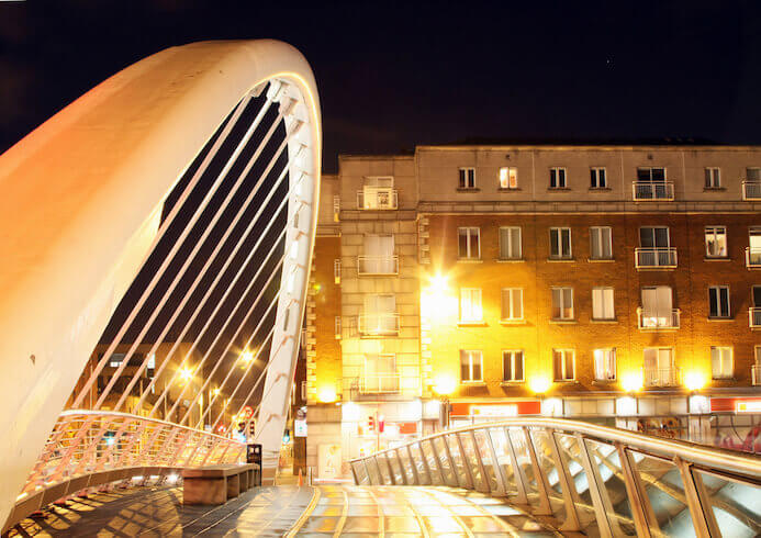 photography portfolio tips - bridge over the River Liffey in Dublin Ireland