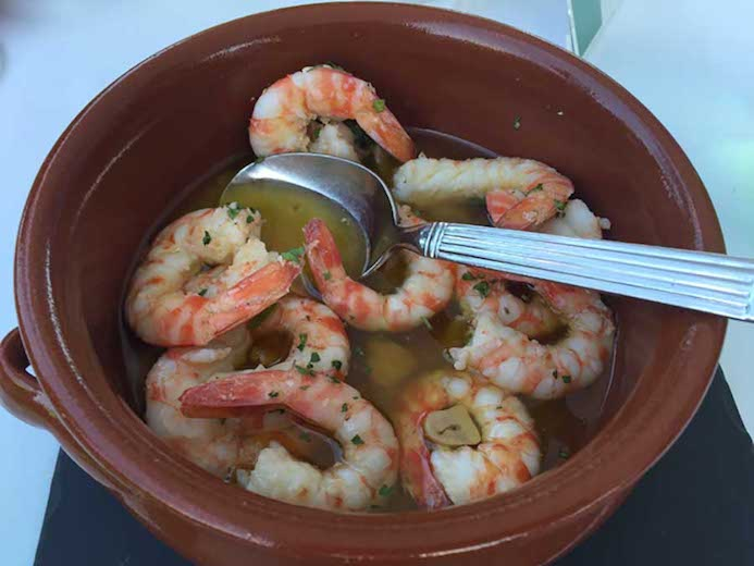 Madrid food and drink guide - eat and drink like a local in Madrid. Gambas al aioli tapas recipe