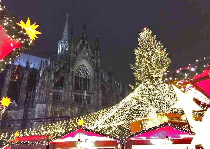 Cologne Christmas Markets Guide Cathedral Christmas market in Cologne Germany
