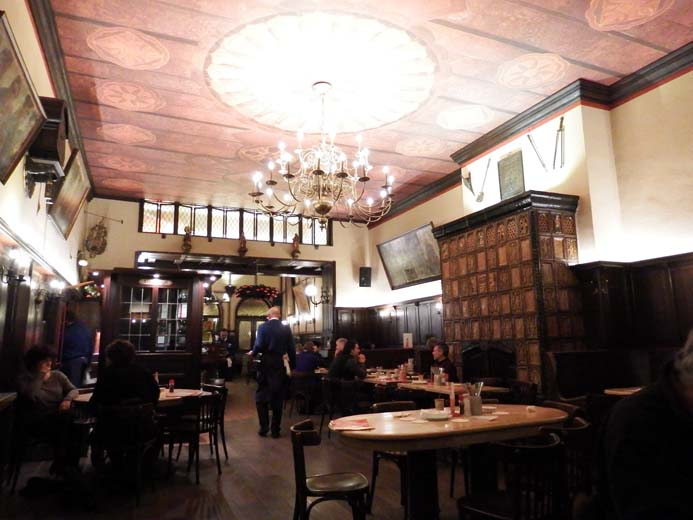 Cologne City Guide things to eat tradition food in Fruh Brauhaus