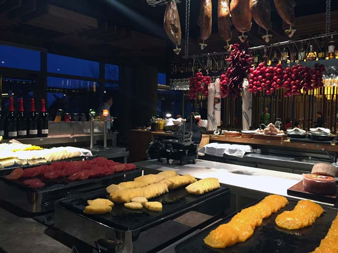 W Hotel Barcelona review of the Spanish food and breakfast in Bravo 24 restaurant