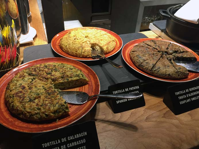W Hotel Barcelona review Spanish food and breakfast in Bravo 24 restaurant
