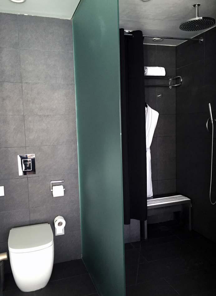 W Hotel Barcelona review the wonderful bathroom