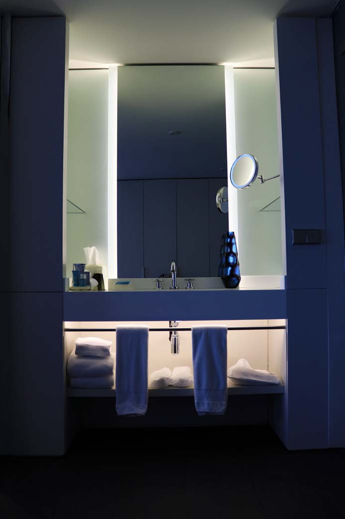 W Hotel Barcelona review the wonderful bathroom