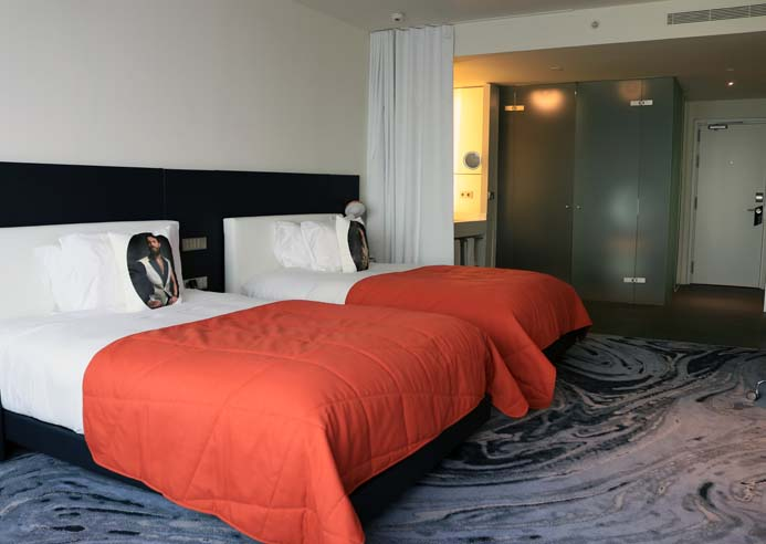 W Hotel Barcelona review the wonderful sky twin bedroom