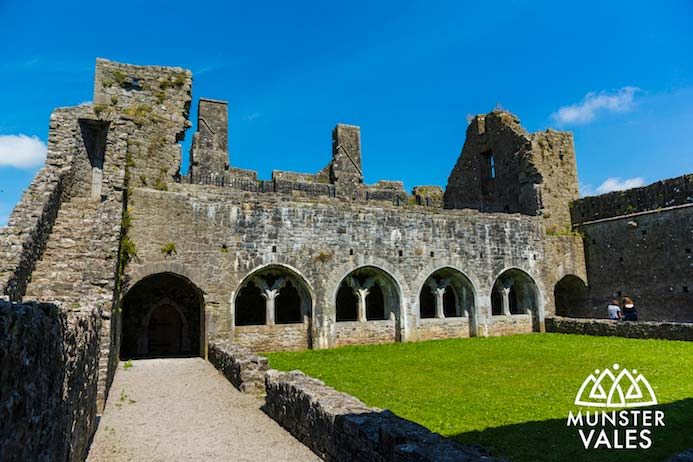 Kilmallock Travel Guide - Klmallock medieval walled town