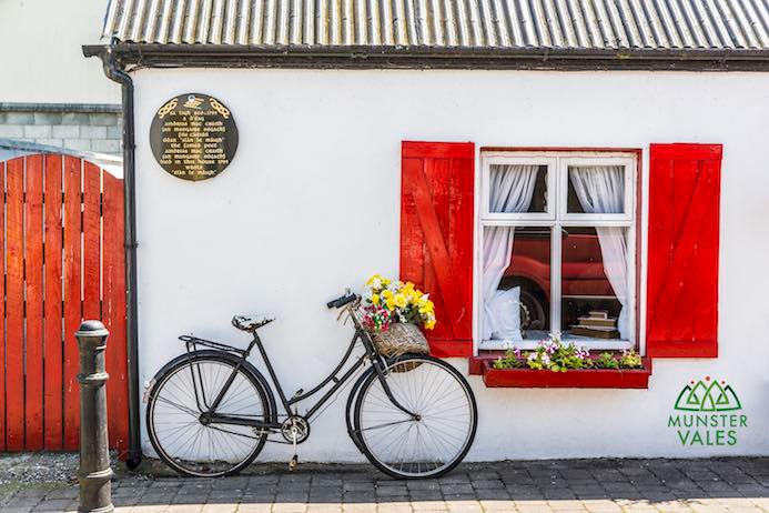 Munster Vales Ireland Travel Guide. The Munster Vales links four counties; Waterford, Tipperary, Cork, Limerick and everything in between
