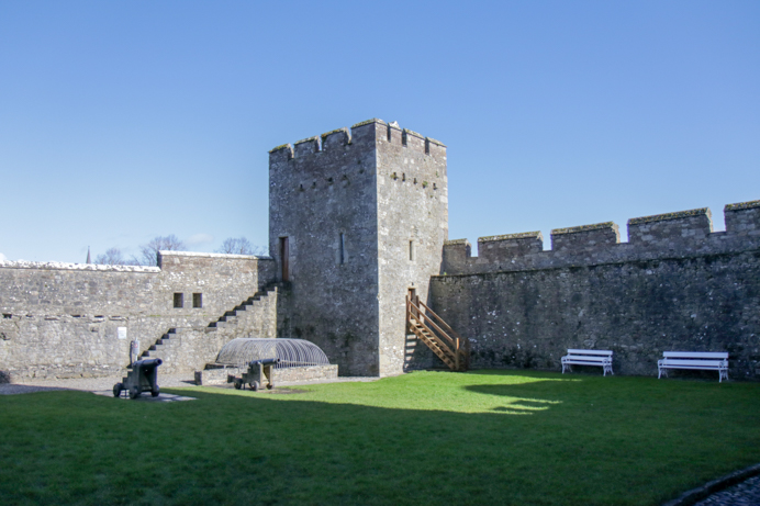Things to do in Cahir Tipperary Ireland. Photo of Cahir Castle.