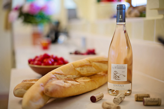 Rosé wine food pairing guide - perfect rosé wine and food matches for all occasions.