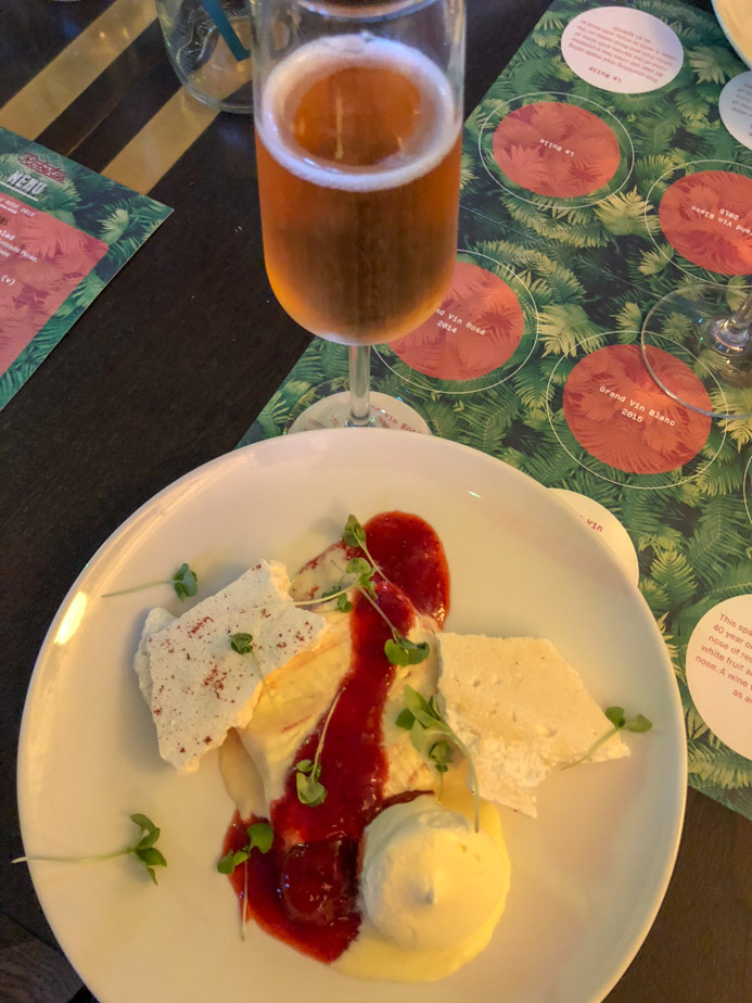Rosé wine food pairing guide - perfect rosé wine and food matches for all occasions including desserts.