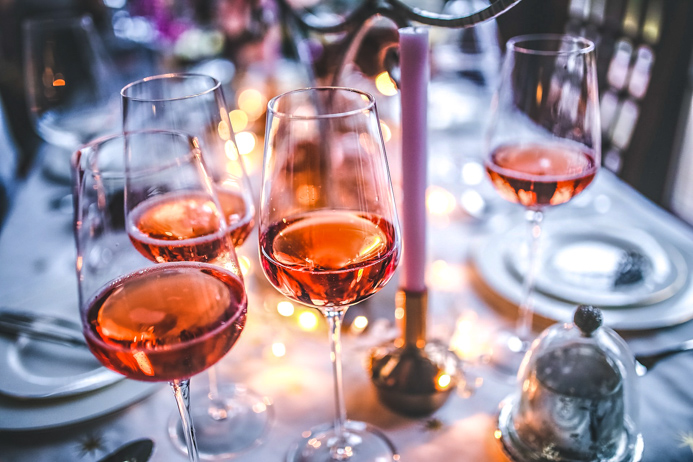 Rose wine guide - your essential guide to all things rose wines related.