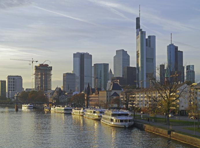 Frankfurt Travel Tips the waterside view