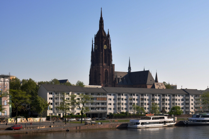 Frankfurt skyline, cathedral and river