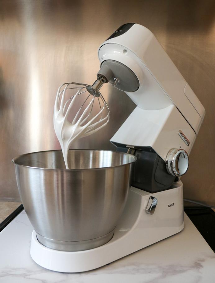 Pavlova recipe with Kenwood Chef stand mixer.